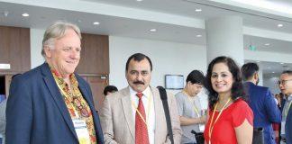 Các doanh nghiệp, nhà đầu tư nước ngoài trao đổi tại Horasis - Bình Dương 2018. Ảnh: Lê Toàn